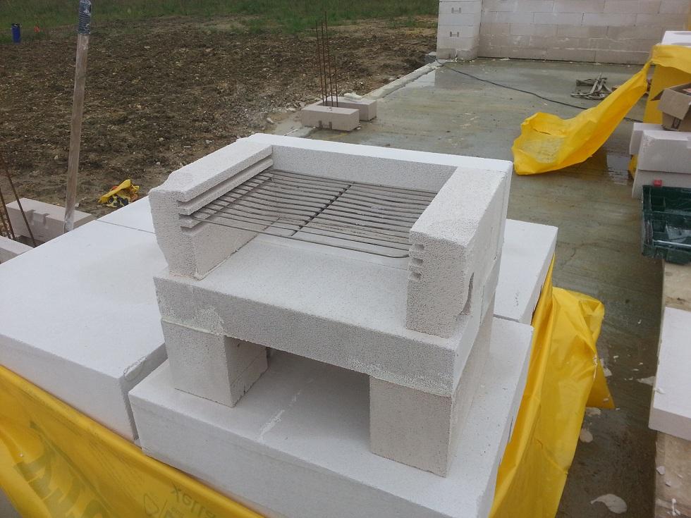 News autoconstruction bioclimatique en bc de 50cm le second oeuvre contin - Barbecue en parpaing ...